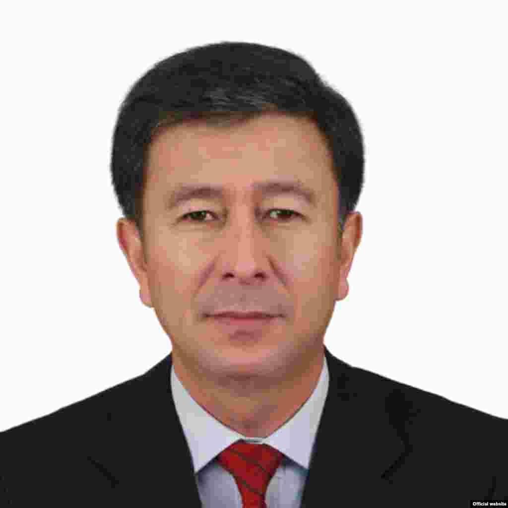 Аскар Шадиев, министр энергетики.