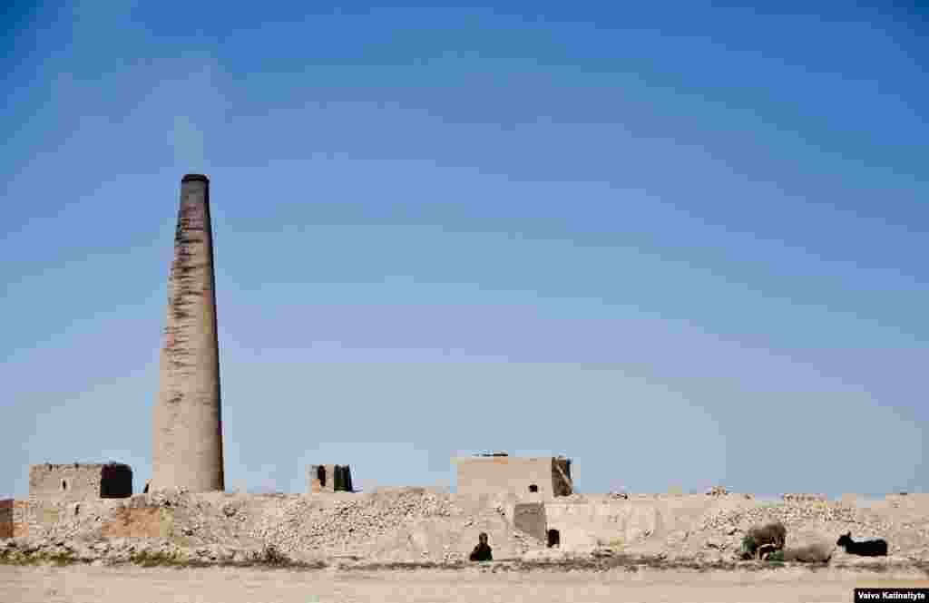 Some of the more fortunate displaced Afghans have taken jobs at brick kilns in Balkh to help squeeze out a living for themselves and their families.