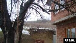 Куќа во западно Косово во близина на минско поле каде загина едно дете на семејството Гаши