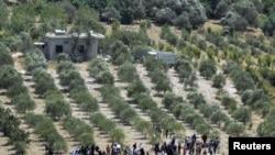 نمایی از شماری از پناهندگان سوریه که وارد خاک ترکیه شده اند