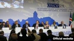 Делегаты приняли резолюцию «Конфликты в Грузии». Документ содержит призыв к России соблюдать Соглашение о прекращении огня от 12 августа 2008 года, отозвать признание Абхазии и Южной Осетии и вывести свои вооруженные силы с территории этих регионов