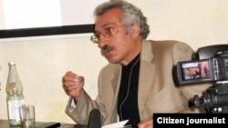 Almaniya - Abbas Milani Berlində kitabını təqdim edir