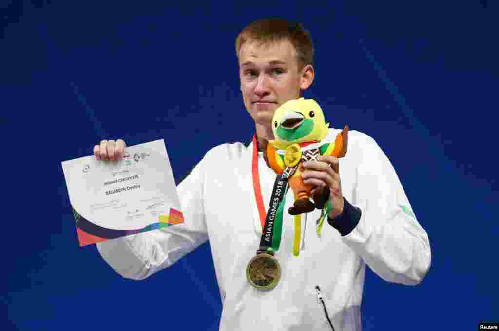 Баландин 200 метрге брасс әдісімен жүзуде Рио олимпиадасының чемпионы атанған. Бірақ ол жарақатына байланысты 200 метрлік жарысқа қатыспағанын айтты.