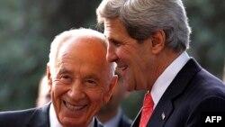 Изралескиот претседател Шимон Перес се сретна со американскиот државен секретар Џон Кери