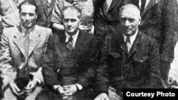 Wilhelm Filderman (în centru) în deportare la Mogilev în 1942 (Foto credit: Yad Vashem)