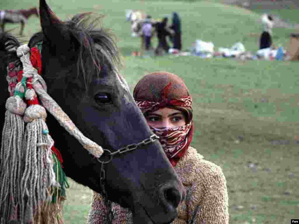 Žene se vrlo mladi, uprkos visokoj cijeni nevjeste,za koju plate i do 100 ovaca.