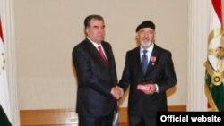 Tacikistan przedenti Emomali Rahmon (solda) Bozor Sobirlə 2013-cü ildə görüşmüşdü