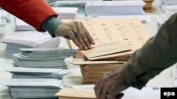Prema nedavnom istraživanju 49,4 posto Katalonaca je protiv secesije, a 41,06 posto za