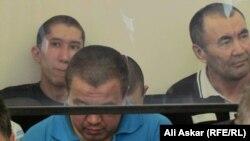 Обвиняемые в «намерении выехать в Сирию для участия в войне» - на скамье подсудимых. Актобе, 12 июля 2016 года.