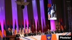 Armenia - General Manvel Grigorian (L) addresses a congress of his Yerkrapah Union of Nagorno-Karabakh war veterans in Yerevan, 18Feb2012.