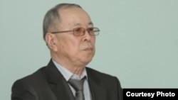 Начальник управления внутренней политики Западно-Казахстанской области Тлеккабыл Имашев в зале суда над журналистом Лукпаном Ахмедьяровым. Уральск, 19 июля 2012 года.