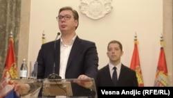 Presiden Serbia Aleksandar Vucic (kiri) bersama Marko Djuric di Beograd (file foto)