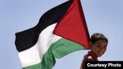 Палестинанын туусун көтөргөн бала