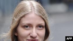 Ұлыбританиялық депутат Майк Хэнкоктың көмекшісі болған Екатерина Затуливетер. Лондон, 27 қазан 2011 жыл.