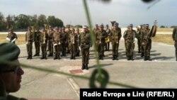 Pamje nga ceremonia e dorëzim-pranimit të komandës së forcave të NATO-s në Kosovë.