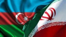İran və Azərbaycan bayraqları