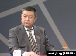 Социал демократлар фракцияси раҳбари Чинибай Турсунбеков.