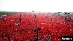 Стамбулдагы митингге он миңдеген адамдар чыкты