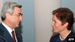 ABŞ-ın Ermənistandakı səfiri Mari Yovanoviç prezident Sarkisyanla görüşür