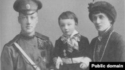 Николай Гумилев, Анна Ахматова жана Лев Гумилев