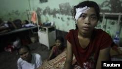 درگیریهای سال گذشته میان بوداییان و مسلمانان در برمه باعث شد که بیش از ۱۲۵ هزار نفر از مردم منطقه خانههای خود را ترک کنند