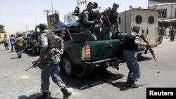 Поліція на місці вибуху, Кабул