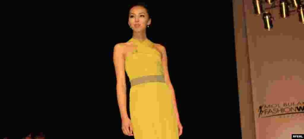 Осенняя Неделя моды-2012 #10