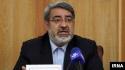 عبدالرضا رحمانی فضلی، وزیر کشور، با توضیحات خود درباره اقدامات وزارت کشور در رابطه با حجاب نتوانست نمایندگان مجلس را قانع کند
