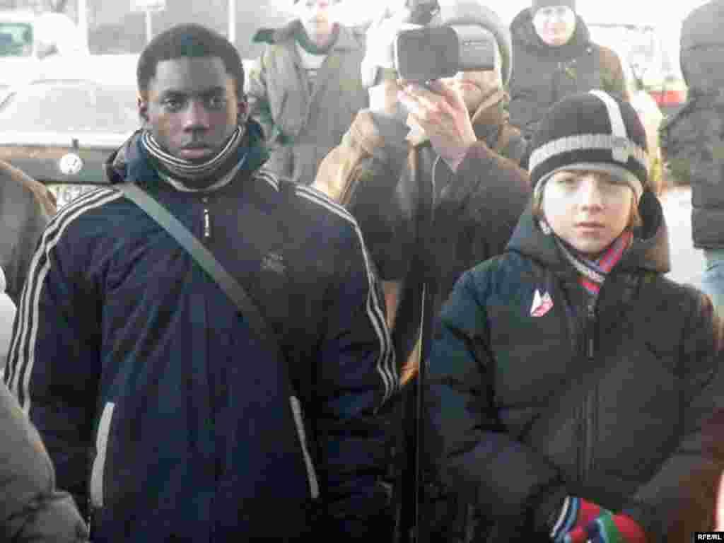 Беларускі гуманітарны ліцэй імя Якуба Коласа адзначае 20-годзьдзе. Ліцэйскае братэрства ня ведае межаў: у гасьцях у беларусаў — паляк і анголец.