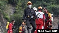 امدادگران موفق شدهاند از طریق تونل شماره دو به محلی که اجساد معدنکاران گیر افتاده بود برسند