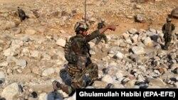 Ushtar afgan, ilustrim.