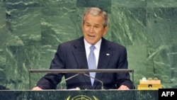 جرج بوش، شورای حقوق بشر سازمان ملل متحد را به «زياده روی در انتقاد از اسراييل و چشم پوشی از اتفاقات ساير نقاط جهان» متهم کرد.