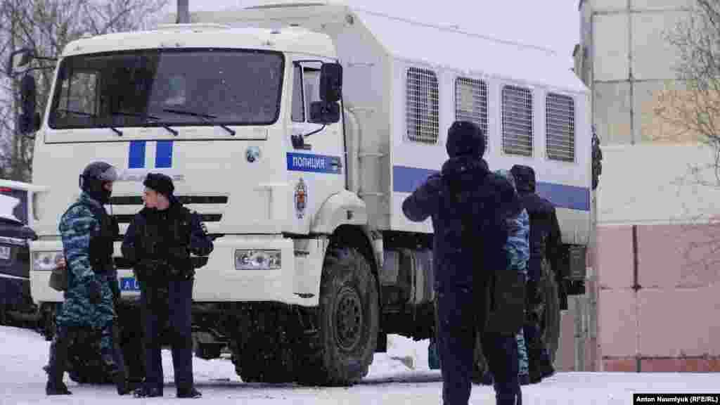 Спецназ у дома адвоката Эмиля Курбединова, 26 января 2017 года