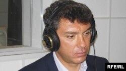 Boris Nemțov în biroul Radio Europa Liberă/Libertatea de la Moscova în martie 2006