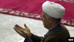 اين نخستين بار نيست که آقای رفسنجانی در انتخابات مجلس خبرگان، صدر فهرست نمايندگان را به خود اختصاص می دهد.