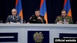 Վլադիմիր Գասպարյանը և նրա երկու տեղակալները ոստիկանության կոլեգիայի նիստում, 20-ը հունվարի, 2016թ.