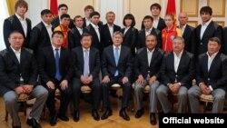 Олимпийская сборная команда КР вместе с главой государства, 16 июля