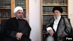 حسن روحانی (چپ) در دیدار با عبدالکریم موسوی اردبیلی