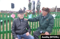 Аксакал Баязит Галиев, Идрис Азиятов