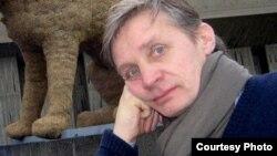 «У чомусь Київ – велика провінція, завдяки тому, що всі по своїх хатах» – Олександр Крижановський