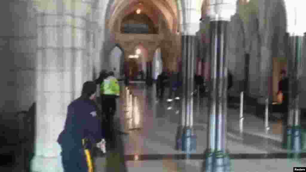 تیراندازی در ساختمان پارلمان