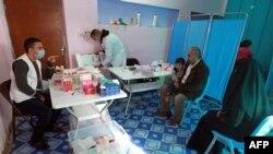 """""""Шекарасыз дәрігерлер"""" халықаралық ұйымының Бағдад маңындағы емдеу пункті, Ирак (Көрнекі сурет)."""