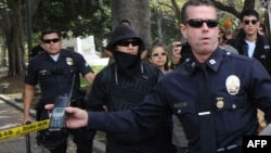 Policia amerikane gjatë një ndërhyrjeje