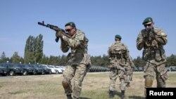 Тренировочное занятие украинских пограничников в лагере под Киевом, июнь 2015г.