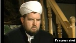 """""""Ярдям"""" мечитинин имамы Махмуд Велитов."""