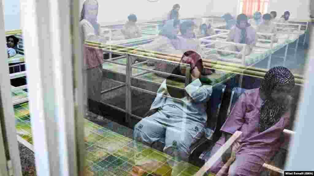 آسایشگاه دختران معلول ذهنی در اهواز