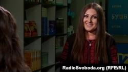 Софія Федина під час інтерв'ю