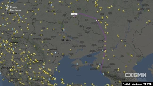Борт Медведчука з Сочі летить до Києва
