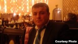 Микаил Талыбов, бывший сотрудник банка АccessBank, ответчки по делу о клевете в Интернете.