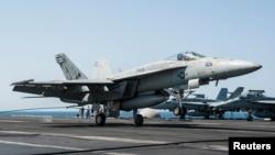 Самолеты ВВС США, участвующие в операциях против экстремистской группировки «Исламское государство». Иллюстративное фото.